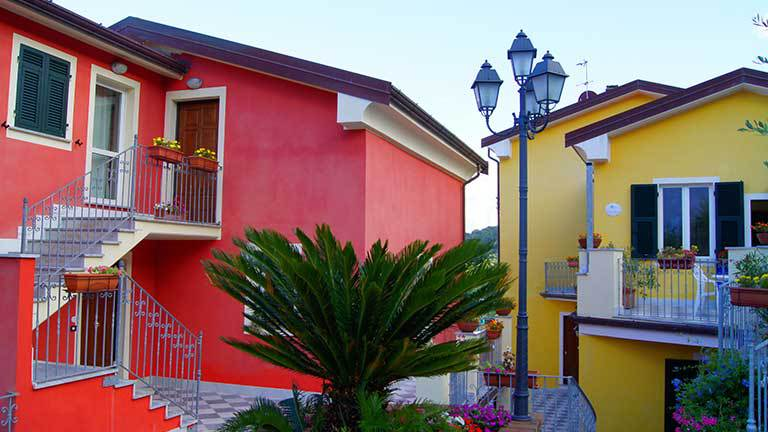 Choosing the Ideal Exterior Paint Color